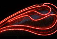 velevt rust neon